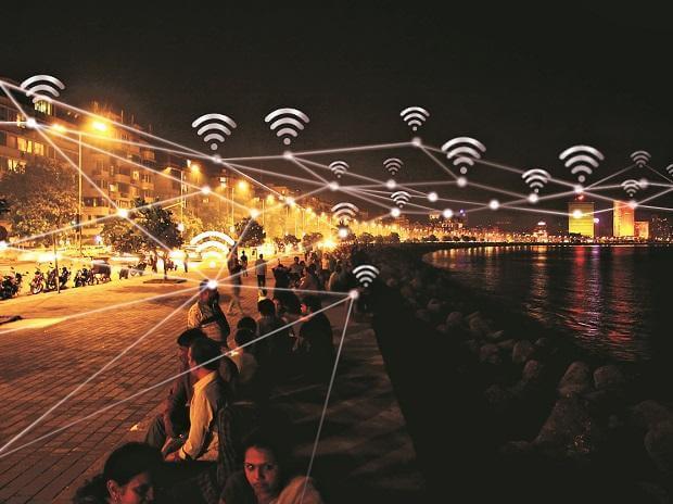 Fiber Optic Internet vs. 5G for Home